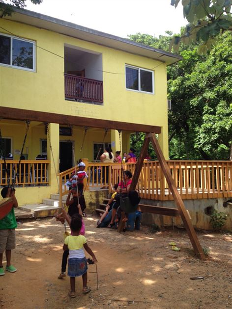 Volunteer work in Roatan, Honduras