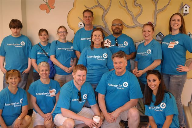 Volunteer Day at Vogel Alcove