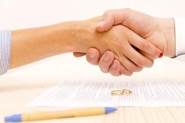 A CDFA<sup>&reg;</sup> Financial Advisor Can Help You