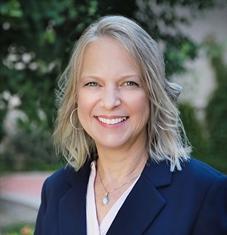 Lynn Konsela